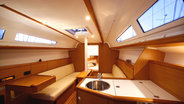 Sunsail 33i interior